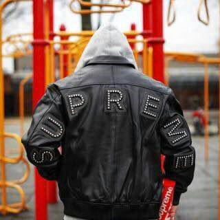 シュプリーム(Supreme)の最安値 希少 M シュプリーム Studded Arc Logo レザー 黒 (レザージャケット)