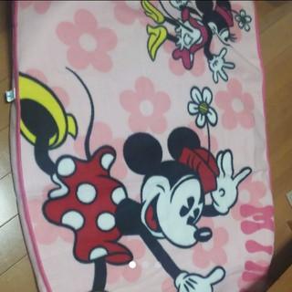 ディズニー(Disney)のディズニー ミニー 膝掛け 小さい毛布 ブランケット ピンク(おくるみ/ブランケット)