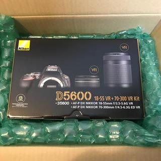 ニコン(Nikon)のNikon D5600ダブルキット(デジタル一眼)