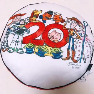 トイストーリー(トイ・ストーリー)の新品◎ TOY STORY 20th クッション ウッディ バズ ディズニー(クッション)