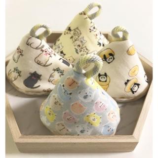 おしっこブロック☆おしっこガード☆おしっこキャップ4個W猫、アニマル、パンパンダ(おむつ替えマット)