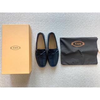 トッズ(TOD'S)の箱・袋付き) Tod's モカシン/ローファー (ネイビー・25.5cm程度)(ドレス/ビジネス)
