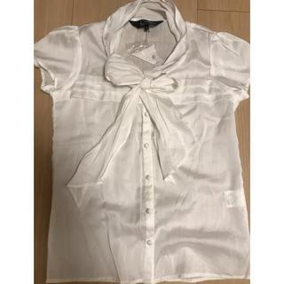 クードシャンス(COUP DE CHANCE)の未使用、新品ブラウスです。(シャツ/ブラウス(半袖/袖なし))