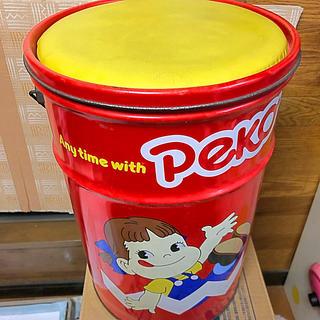 不二家 -    ペコちゃん 大型缶と、ペコちゃんミニミニパペット
