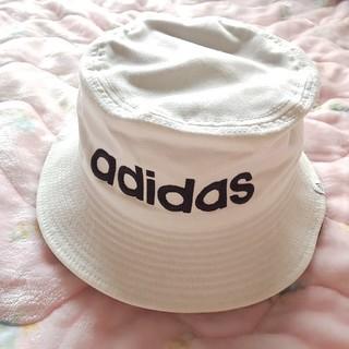 アディダス(adidas)の【新品未使用】adidas バケットハット ホワイト(ハット)