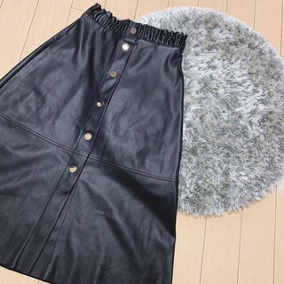 ZARA - ZARA♡レザー風フレアスカート