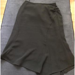 インタープラネット(INTERPLANET)のアシンメトリーな綺麗なスカート(ひざ丈スカート)