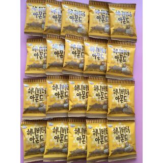 トムズ(TOMS)のハニーバターアーモンド10g ✖︎20袋(菓子/デザート)