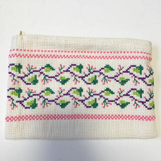 クロスステッチチェリー刺繍ポーチ(ポーチ)