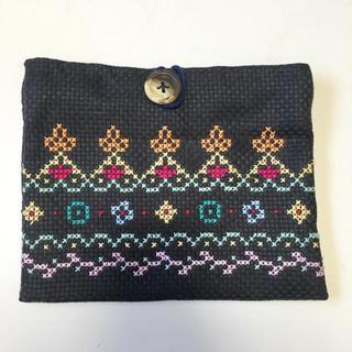 ハンドメイドクロスステッチ刺繍ポーチ(ポーチ)