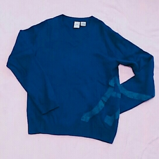 アルマーニエクスチェンジ(ARMANI EXCHANGE)のAXロゴ入り羊毛ニットSグレー×紺色アルマーニエクスチェンジ(ニット/セーター)
