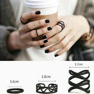 ブラック デザインワイヤーリング 3点セット(リング(指輪))