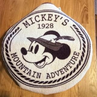 ディズニー(Disney)の[新品未使用]ミッキーマウス 普通便座カバー(トイレマット)
