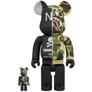 A BATHING APE - APE × NEIGHBORHOOD BE@RBRICK 100% & 400%