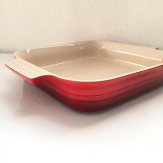 ルクルーゼ(LE CREUSET)のル・クルーゼ  スクエアディッシュ 23 赤(食器)