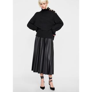 ザラ(ZARA)の新品未使用  ZARA レザーテイスト プリーツスカート ブラック(ロングスカート)