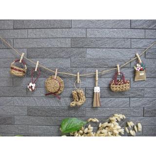 エンジ色♦️ミニチュアかごや帽子のガーランド エコクラフト 壁飾り