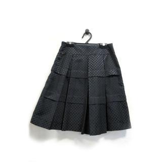 クランプリュス(KLEIN PLUS)の美品 クランプリュス ミシェルクラン スカート 膝丈 ドット柄 黒 36(ひざ丈スカート)