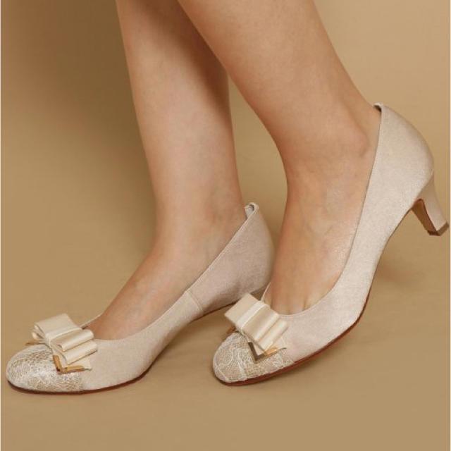 vanitybeauty(バニティービューティー)の新品♡定価7452円 パンプス ベージュ 23、23.5センチ⭐️最終大幅値下げ レディースの靴/シューズ(ハイヒール/パンプス)の商品写真