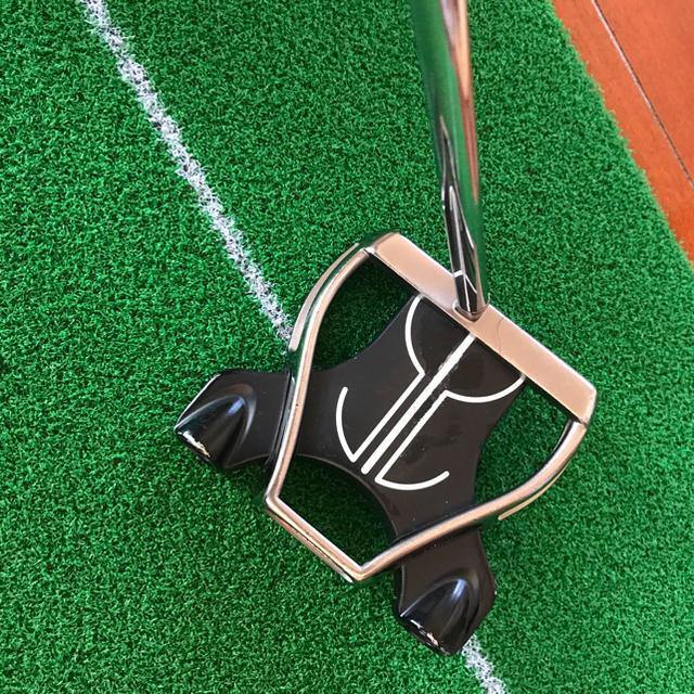 TaylorMade(テーラーメイド)のテーラーメイドパターRossa スポーツ/アウトドアのゴルフ(クラブ)の商品写真