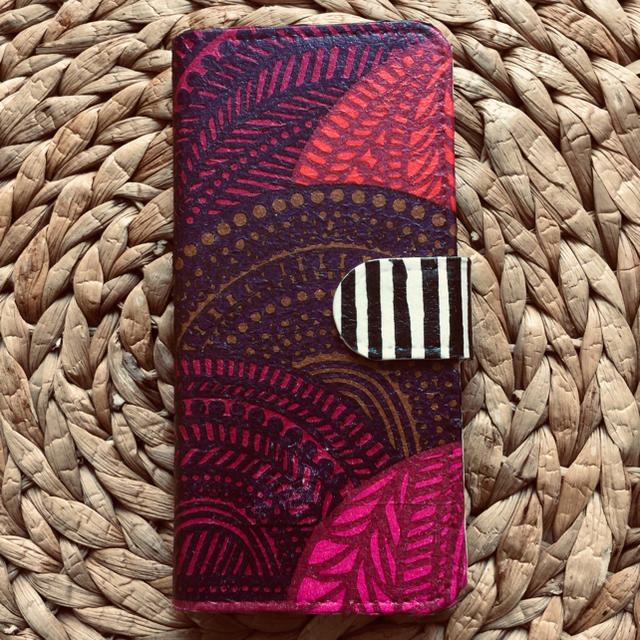 iphone7 ケース wood | marimekko - ❤︎訳あり❤︎iPhone7.8 ハンドメイド マリメッコ 手帳携帯ケースの通販 by さとみさくら's shop|マリメッコならラクマ