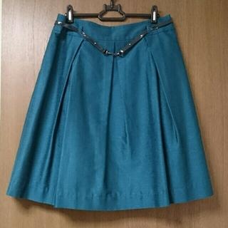 ナラカミーチェ(NARACAMICIE)の☆中古美品☆NARA CAMICIE ベルト付き タック フレアスカート  (ひざ丈スカート)