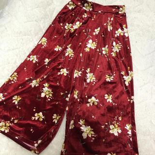 シマムラ(しまむら)の新品 花柄ベロアワイドパンツ(カジュアルパンツ)