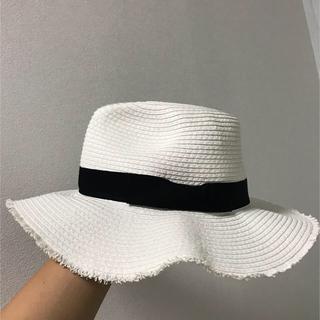 白の麦わら帽子(麦わら帽子/ストローハット)
