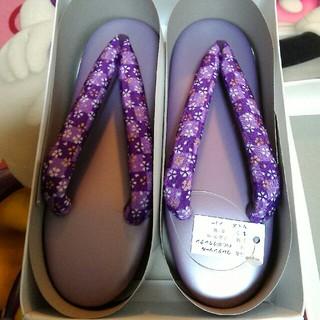紫 パープルの草履 花柄 フリー(下駄/草履)
