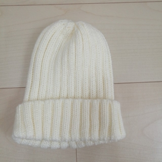 ジーユー(GU)の【GU】キッズニット帽 ホワイト(帽子)