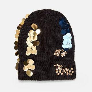 ザラ(ZARA)の新品 完売品 ZARA スパンコール付き ニットキャップ ビーニー帽(ニット帽/ビーニー)