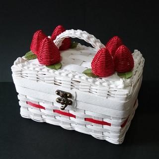 いちごケーキみたいなバスケット(バスケット/かご)