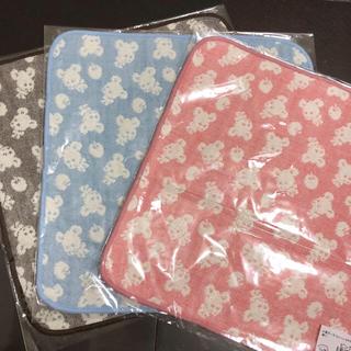 ヒオリエ  4重ガーゼ ハンカチ 3枚セット 新品(ファッション雑貨)