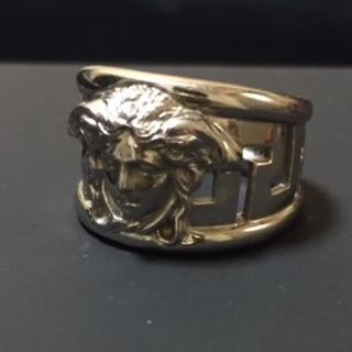 ジャンニヴェルサーチ(Gianni Versace)のレア VERSACE 18k WG メデューサリング ジャンニヴェルサーチ(リング(指輪))