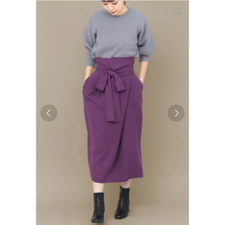 ケービーエフプラス(KBF+)のウエストリボンラップスカート(ひざ丈スカート)