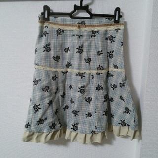 アクシーズファム(axes femme)のほぼ未使用 アクシーズ ローズ柄スカート Mサイズ(ひざ丈スカート)