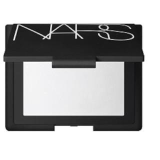 ナーズ(NARS)の新品箱入り❤️ NARS ライトリフレクティングセッティング パウダープレスト (フェイスパウダー)