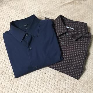 ユニクロ(UNIQLO)の美品   ユニクロ シャツ  長袖  2枚セット ネイビー 茶色(シャツ)