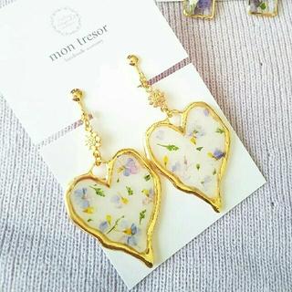 flower heartイヤリング(white)