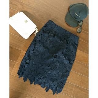 ジーユー(GU)のレースタイトスカート♪(ひざ丈スカート)