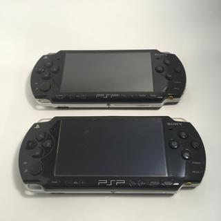 プレイステーションポータブル(PlayStation Portable)のpsp2000 2台 オマケ付き(携帯用ゲーム本体)