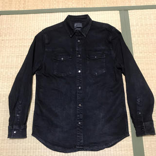 ザラ(ZARA)のZARA REGULAR FIT STRETCH BLACK DENIM シャツ(シャツ)