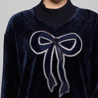 ミュベールワーク(MUVEIL WORK)のMUVEIL ミュベール  リボン刺繍プルオーバー 黒(トレーナー/スウェット)