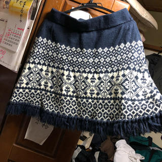 セシール(cecile)のニット編み込みスカート大きいサイズ(ミニスカート)