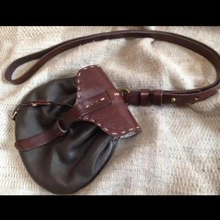 エンリーべグリン(HENRY BEGUELIN)のエンリーベグリン ショルダーバッグ ポーチ オミノ刺繍(ショルダーバッグ)