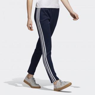 アディダス(adidas)のadidas XS レディース SST TRACK PANTS(その他)