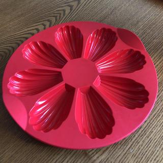 タッパーウェア  シリコンマドレーヌ型(調理道具/製菓道具)