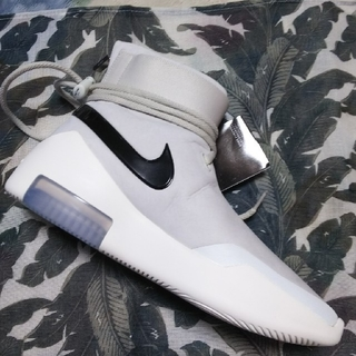 NIKE - FEAR OF GOD