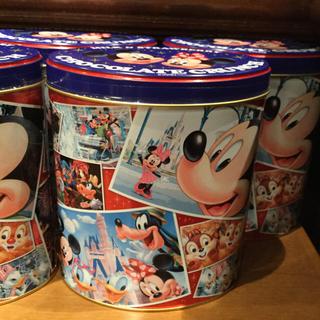 ディズニー(Disney)のディズニー チョコクランチ 缶 お土産 お菓子(菓子/デザート)