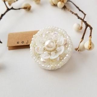 サークルシリーズ no.15 ホワイトフラワー ビーズ刺繍(ヘアアクセサリー)